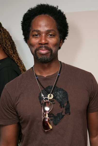 harold-perrineau-lost-designer-la-loop-leash-necklace.jpg