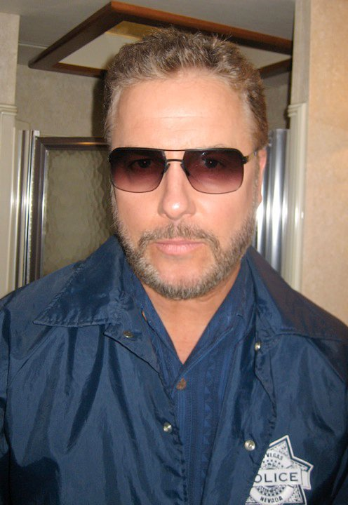 william-peterson-csi-ic-berlin-kjell-exclusive-sunglasses.jpg